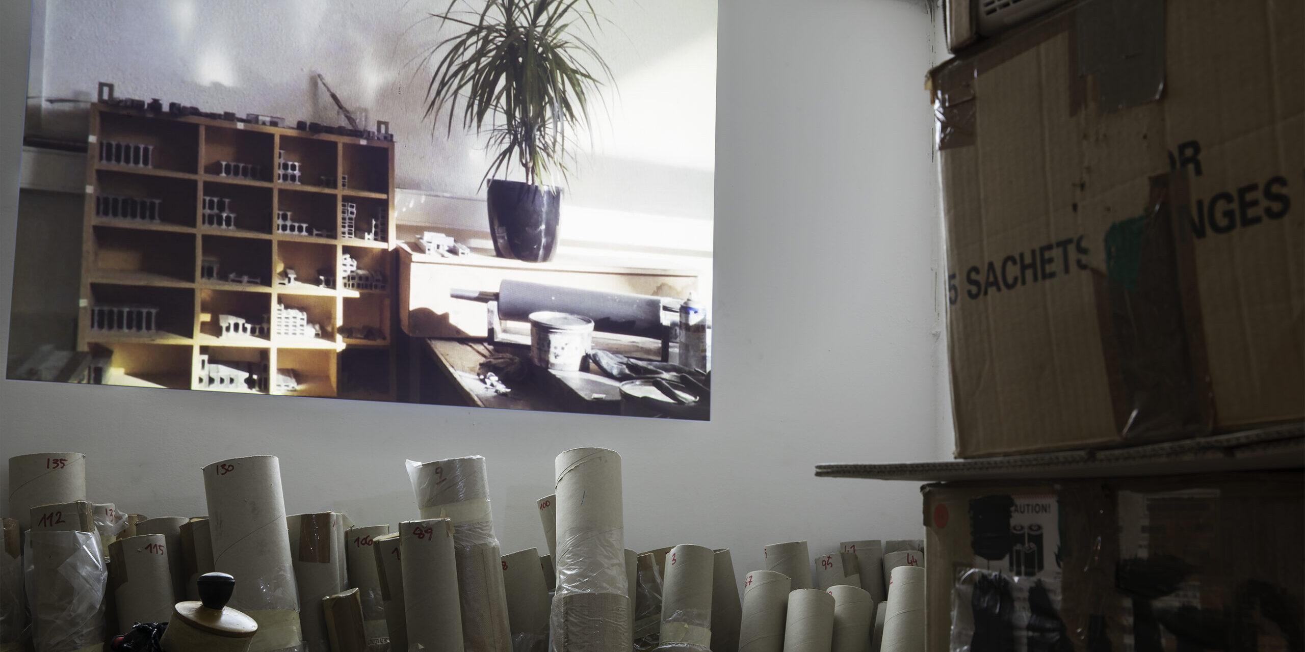 Giulio Squillacciotti, Vrijdag, Antwerpen (2019), installation view Project Room #2, courtesy Archivio Atelier Pharaildis Van den Broeck, ph Jacopo Menzani